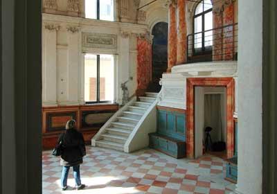 Uno scorcio interno alla sinagoga