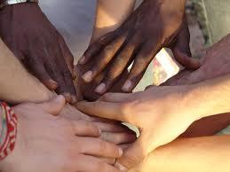 solidarietà mani