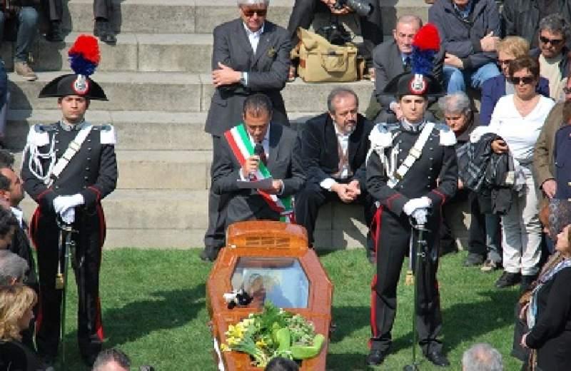 Tonino Guerra Santarcangelo di Romagna 1920-2012 foto www.lapiazzarimini.it