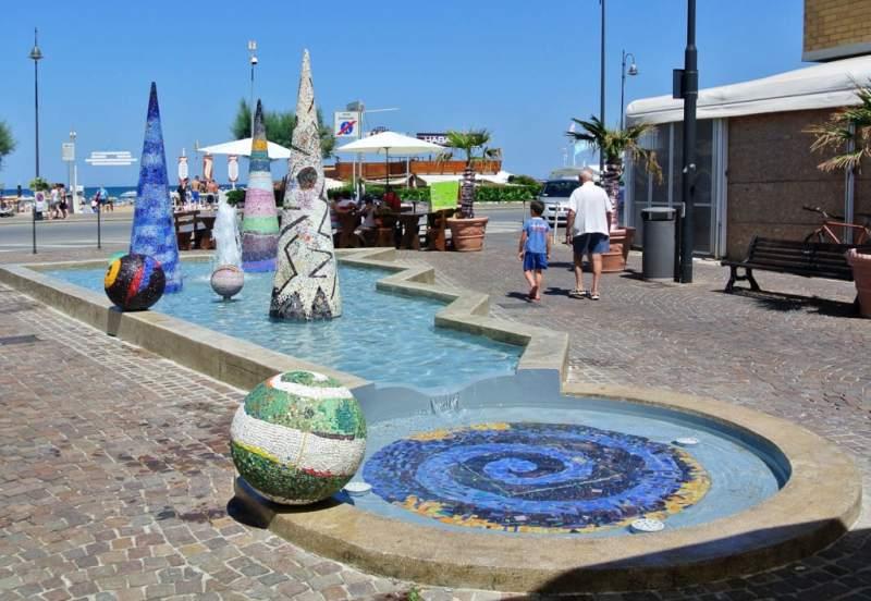 Torna a funzionare la fontana a miramare di rimini - Caf porta rimini pesaro ...