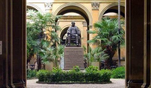 Statua di Rossini a Pesaro