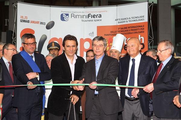 RIMINI 19/01/2013. RIMINI FIERA - ZANARDI INAUGURA IL SIGEP