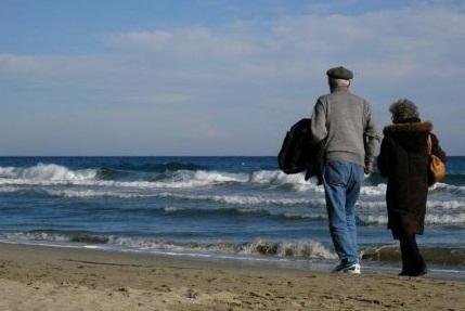 passeggiata-in-riva-al-mare