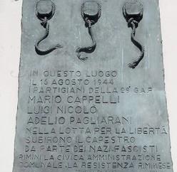 targa e monumento tre martiri piazza tre martiri rimini rn