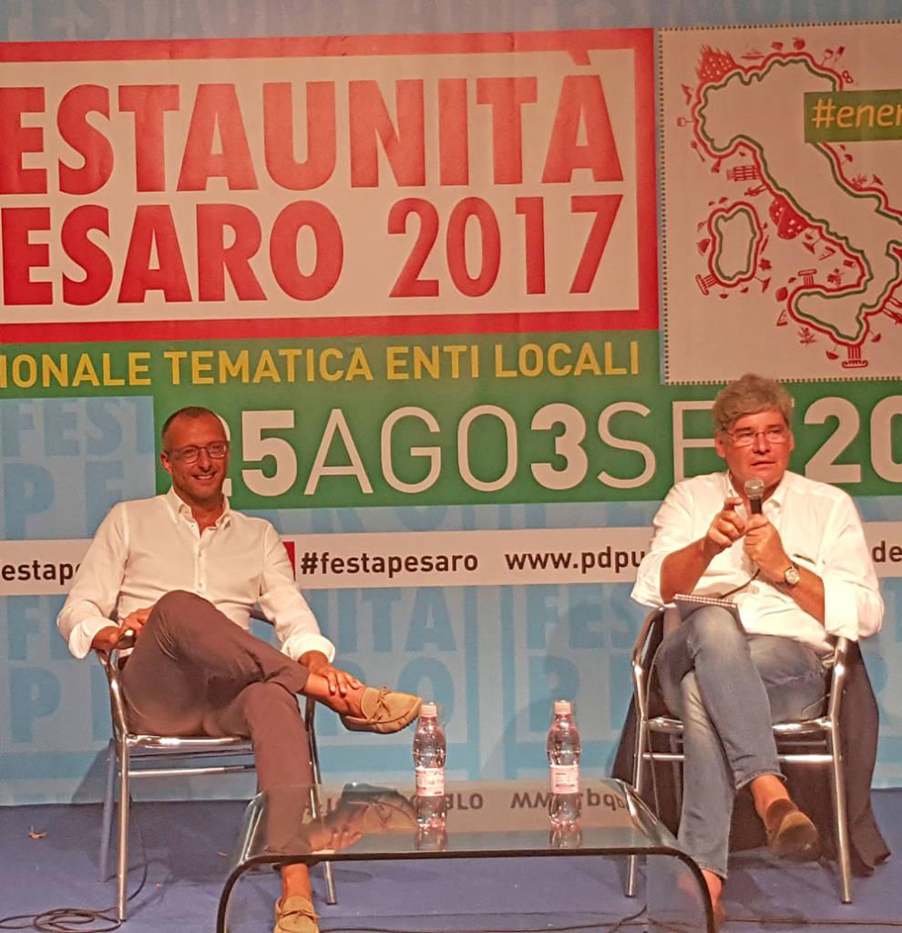 Il sindaco di Pesaro Matteo Ricci e il giornalista Paolo Deldebbio