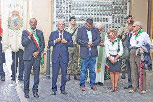 Il sindaco di Pesaro Matteo Ricci con il ministro Claudio De Vincenti