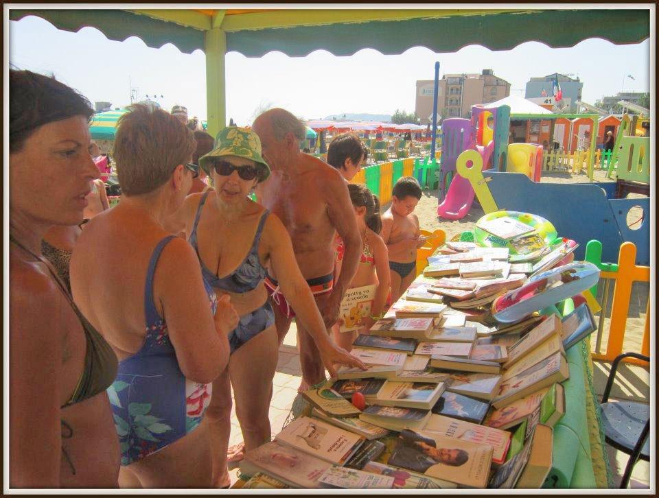 Zona 43. Biblioteca in spiaggia
