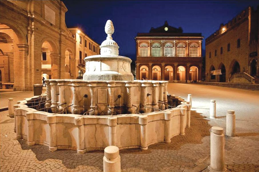 Rimini, la Fontana della Pigna