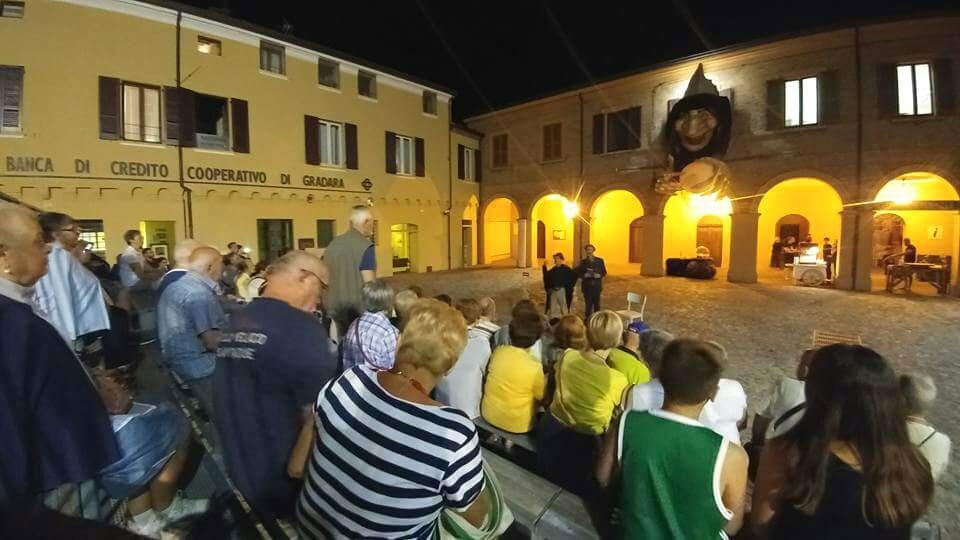 Piazza Silvagni accoglie i turisti da Misano