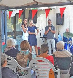 Il sindaco Daniele Morelli, il vice-sindaco Michela Bertuccioli, e Raffaella Piva, coordinatrice CAD e alcuni degli ospiti