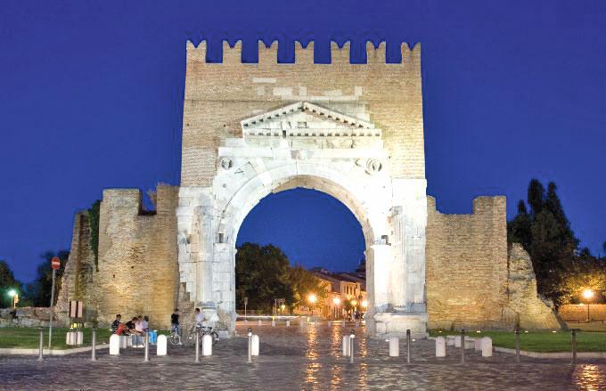 Rimini. L'arco di Augusto si trova alla fine di vi Flaminia
